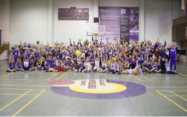 Традиционная Баскетбольная Новогодняя Мегавечеринка прошла в спорткомплексе Политехник!