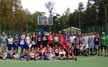 На Спортивной ярмарке «Харьков — спортивная столица» состоялся баскетбольный турнир 3х3