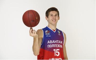 Игрок БК «Политехник» Антон Рочняк защитил кандидатскую диссертацию