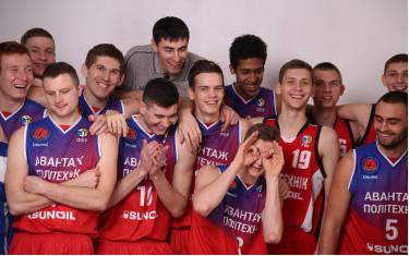 Баскетбольный клуб «Политехник» сделал новую фотосессию