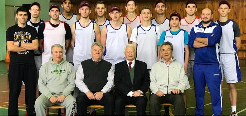 Bстреча руководства Баскетбольного клуба «ПОЛИТЕХНИК» и НТУ «ХПИ» с командой