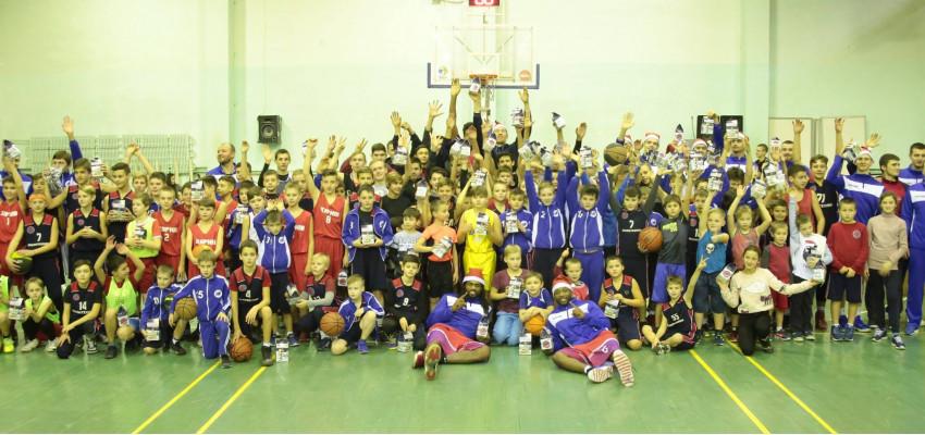 БК «Политехник» провел традиционный новогодний баскетбольный праздник