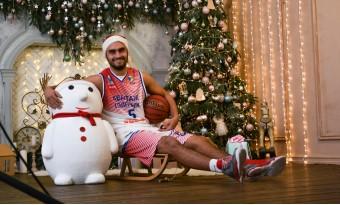 """Баскетбольный клуб """"Авантаж-Политехник"""" поздравляет вас с наступающим Новым Годом !"""